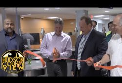 Davis joins ribbon cutting at renovated PSE&G center